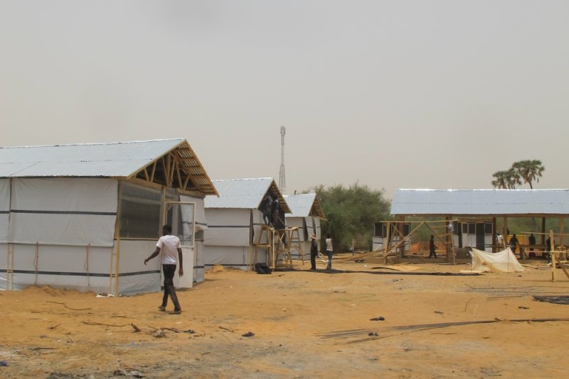 Finishing the building of a treatment centre for COVID-19 patients