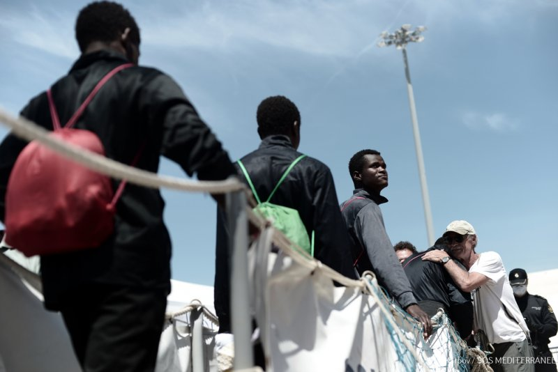 An image preview for Mediterranean search-and-rescue: Aquarius disembarks 630 rescuees in Valencia, Spain  article.